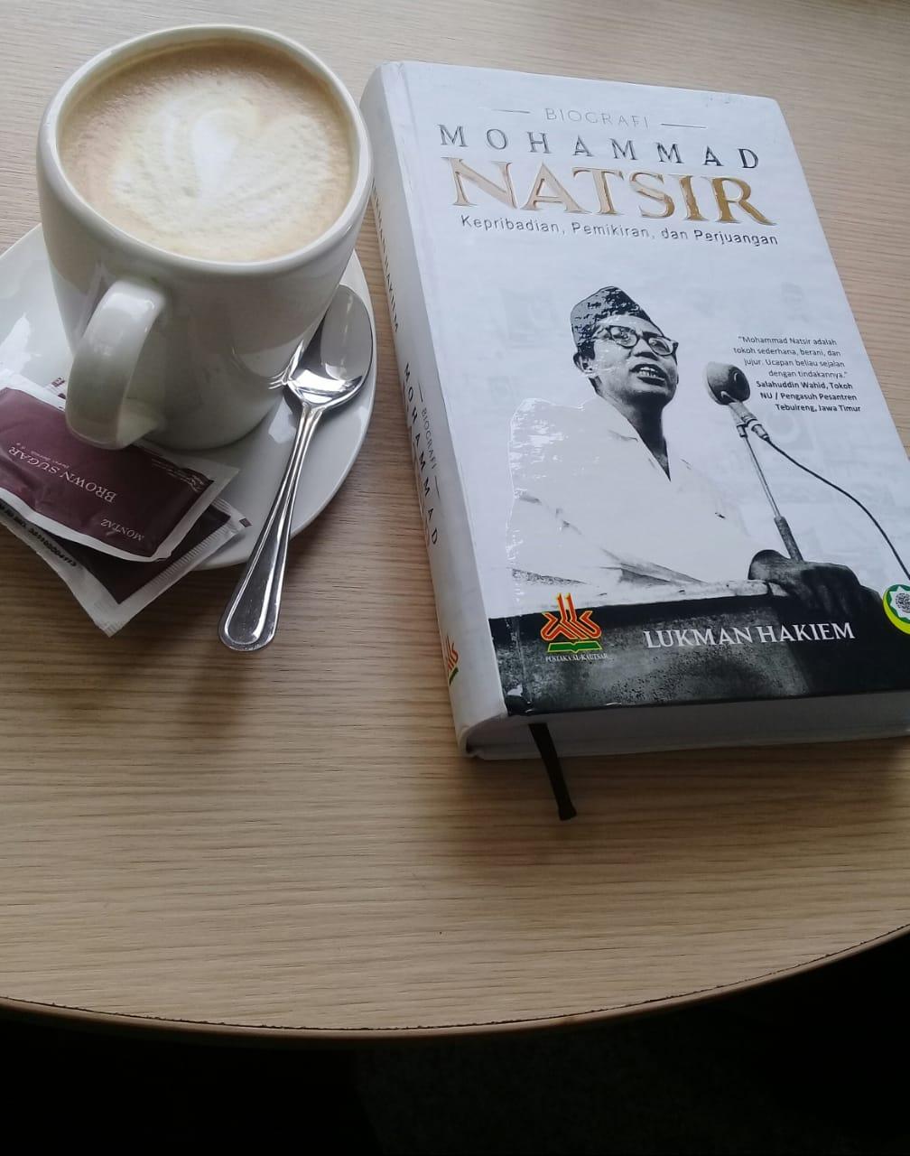 """HAYAT JUANGMU INSPIRASI DA'WAH KAMI (Apresiasi Generasi Anak Bawang Atas Terbitnya Buku """"Biografi Mohammad Natsir"""")"""